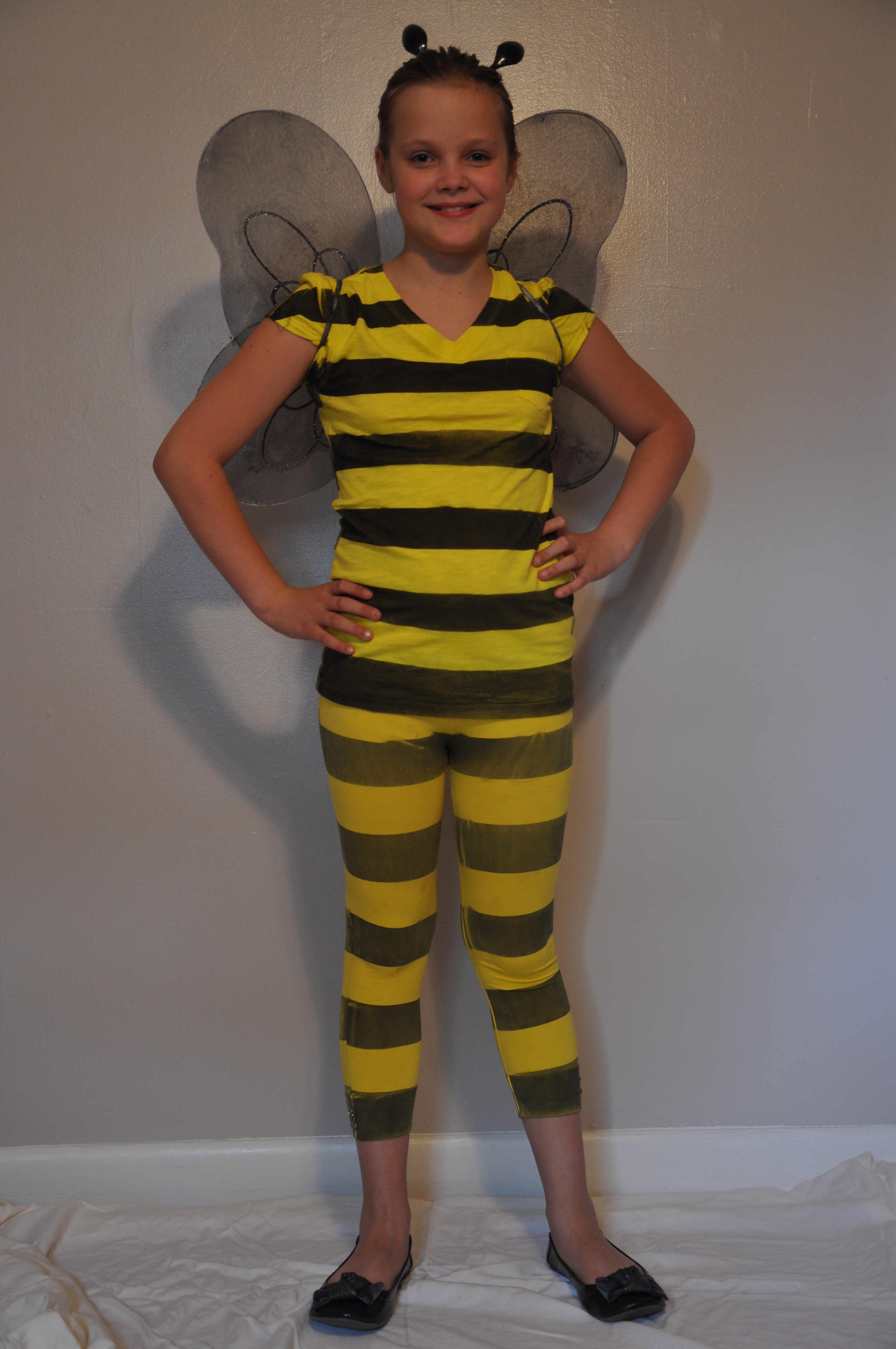 Homemade Bumblebee Costume  sc 1 st  Mommysavers & Homemade Bumblebee Costume | Mommysavers